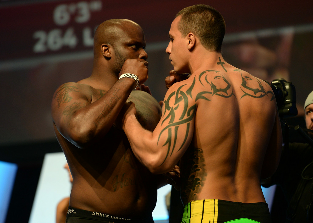 . Derrick Lewis vs. Guto Inocente during weigh-ins for the TUF 19 Finale: Team Edgar vs Team Penn. (Photo by Hans Gutknecht/Los Angeles Daily News