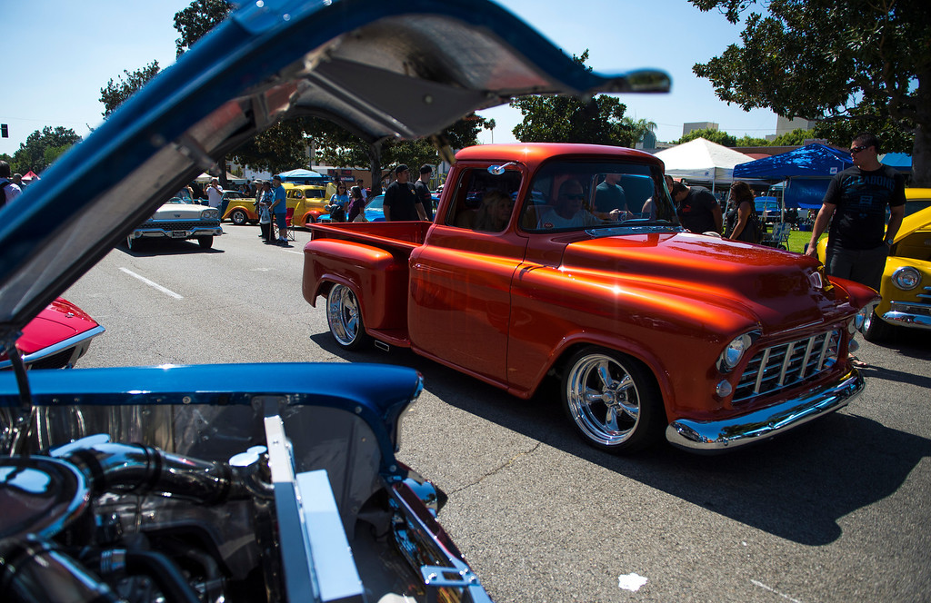 """. IDB-L-DBROUTE66-SAT-04 Classic cars line Euclid Ave in Ontario, for the  \"""" Route 66 Cruisin� Reunion\"""", on Saturday, September 21, 2013. (photos by Frank Perez for the Daily Bulletin)"""