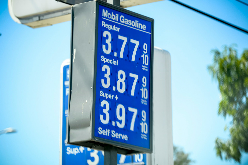 . Gas prices have dropped for Labor Day weekend.     (Photo by David Crane/Los Angeles Daily News)
