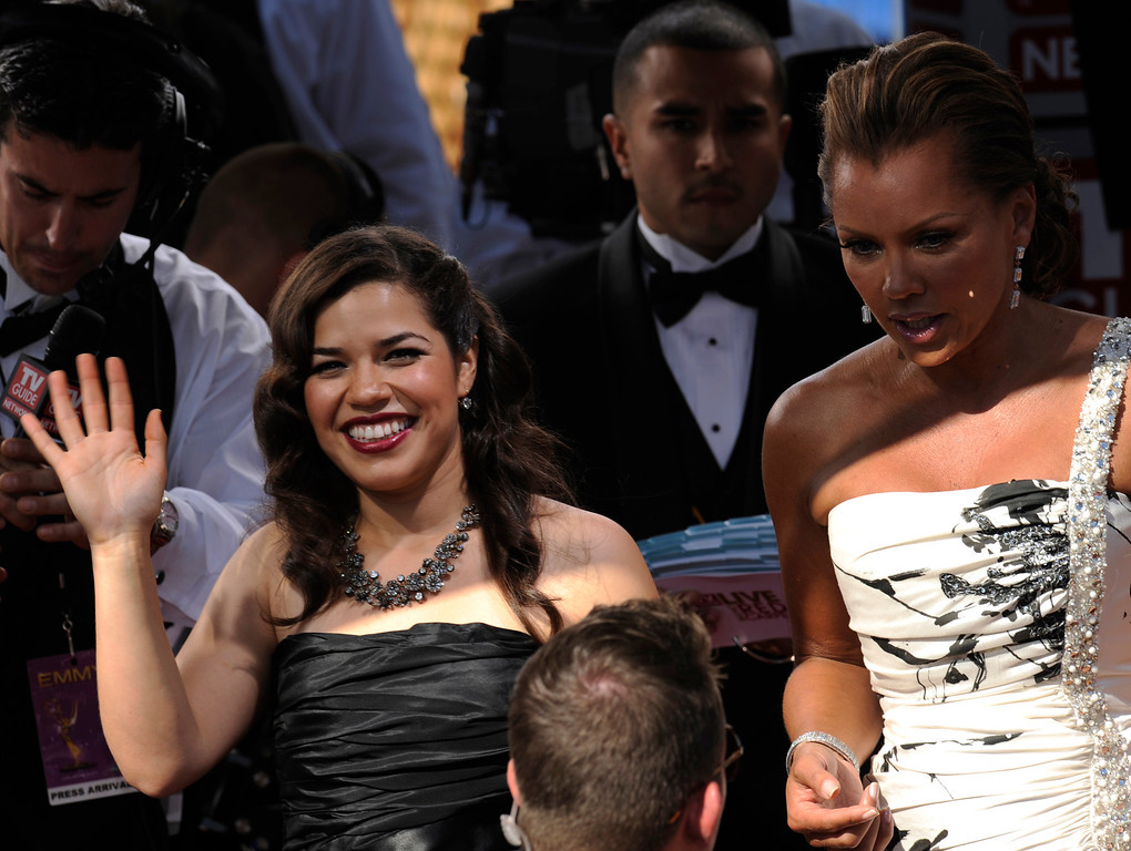 ". America Ferrera and Vanessa Williams arrive for the 60th Primetime Emmy Awards Sunday, Sept. 21, 2008, at the Nokia Theatre in Los Angeles. Ferrera is nominated for outstanding lead actress in a comedy series for her work on ""Ugly Betty.\""  (AP Photo/Kevork Djansezian)"
