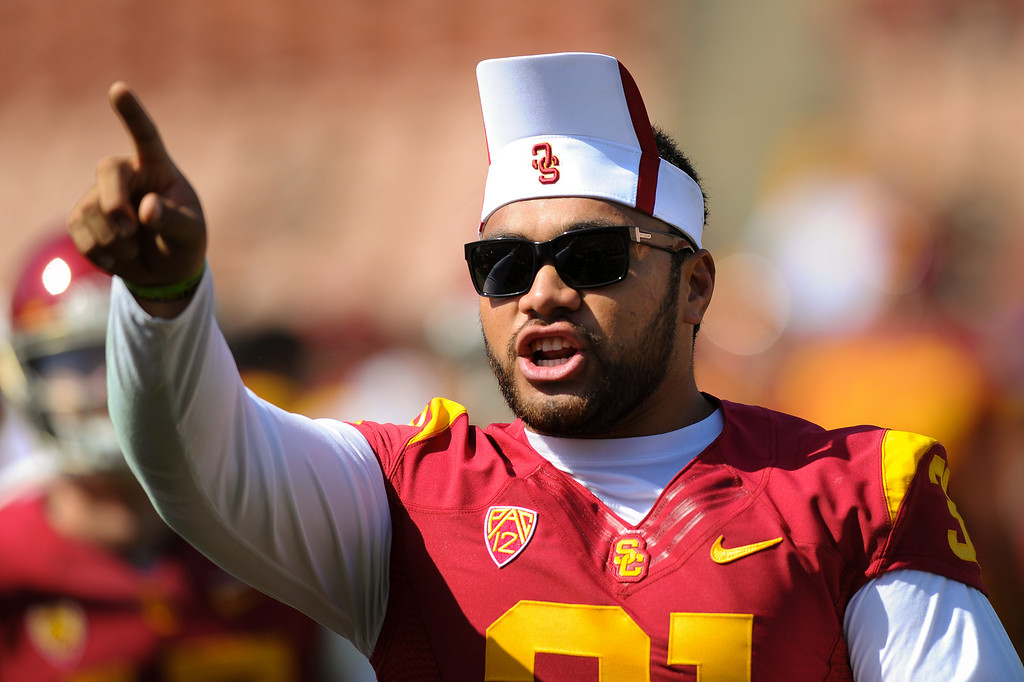 . USC FB Soma Vainuku has fun at the spring game. (Photo by Michael Owen Baker/L.A. Daily News)