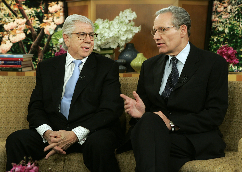 ". Watergate reporters Carl Bernstein, left, and Bob Woodward talk on the set before their appearance on the NBC-TV ""Today\"" program, in New York Thursdday June 2, 2005. Carl Bernstein said \""it\'s a very strange feeling\"" now that the Watergate source known as \""Deep Throat\"" has been publicly identified. (AP Photo/Richard Drew)"