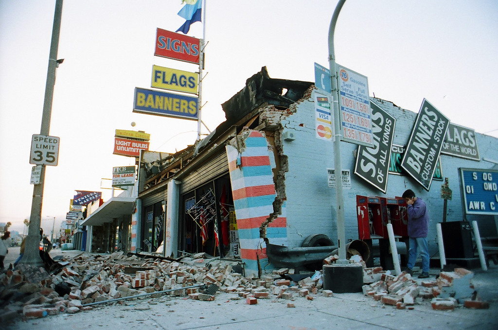 . A masonry building at the intersection of Ventura and Van Nuys boulevards in Sherman Oaks took a beating from the quake.   Los Angeles Daily News file photo