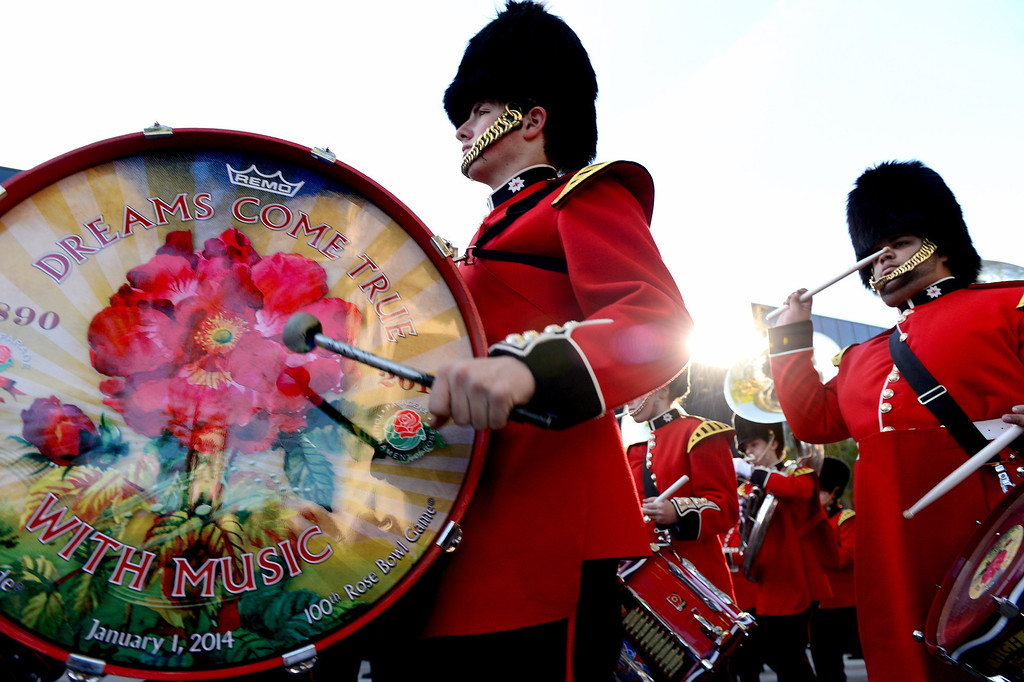 . Liberty High School Grenadier Band heads down Colorado Boulevard during the 125th Rose Parade in Pasadena, CA January 1, 2014. (Photo by Sarah Reingewirtz/Pasadena Star-News)