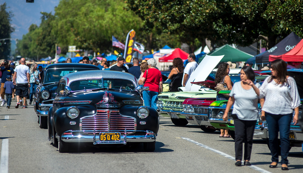 """. IDB-L-DBROUTE66-SAT-06 Classic cars line Euclid Ave in Ontario, for the  \"""" Route 66 Cruisin� Reunion\"""", on Saturday, September 21, 2013. (photos by Frank Perez for the Daily Bulletin)"""