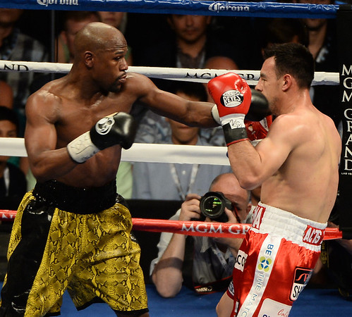 Photos: Mayweather again top-earning US athlete on SI list