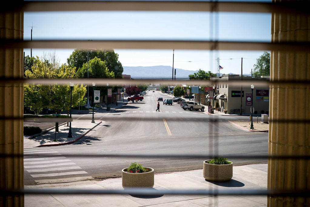 . Downtown Lovelock, Nevada.  The small town has been put on the map since Simpson was locked up at the Nevada Prison near town.    (Photo by David Crane/Los Angeles Daily News.)