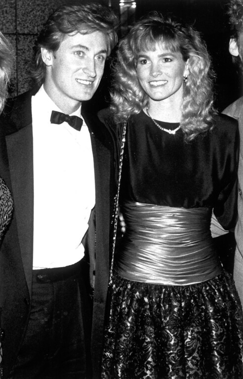 . Wayne Gretzky and his wife, Janet Jones on 3/20/89.   L.A. Daily News file photo