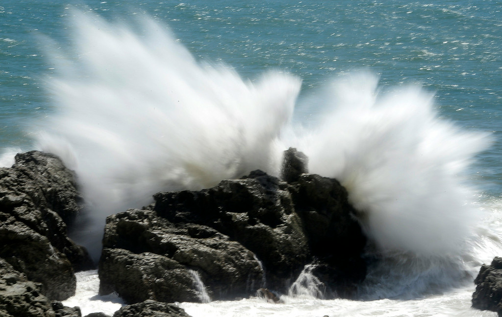. Aug 28,2014, Malibu CA. Huge 8-10 ft waves crash onto the rocks next to Pt. Mugu LA county lifeguard station that was destroyed from the big waves Thursday. The station that was used in the 1990\'s TV series Baywatch was undermined  by the big waves from Hurricane Marie Wednesday night.  The LA county lifeguard building as been there for over 30+yrs and today it was slowly torn apart by todays big waves along PCH.  Photo by Gene Blevins/LA Daily News