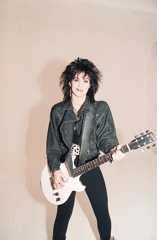 . Singer Joan Jett is shown in this Dec. 1986 photo. (AP Photo)