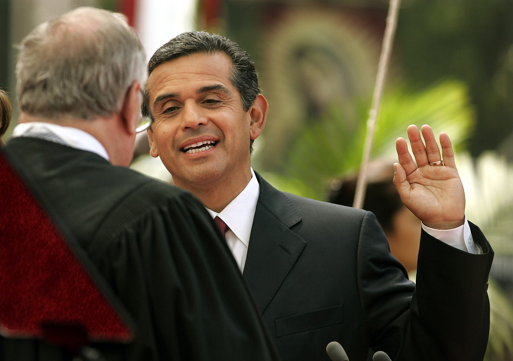 . Antonio Villaraigosa takes the oath as the city\'s 41st mayor during his inauguration as mayor of Los Angeles, Friday, July 1, 2005, in Los Angeles, becoming the first Hispanic to hold the office since the 19th century. (AP Photo/Wally Skalij)