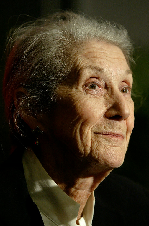 . Nobel Prize-winning author Nadine Gordimer, of South Africa, smiles as she listens to a question during a news conference on the Guadalajara International Book Fair at Guadalajara\'s Expo, Sunday, Nov. 26, 2006, in Mexico. (AP Photo/Guillermo Arias)
