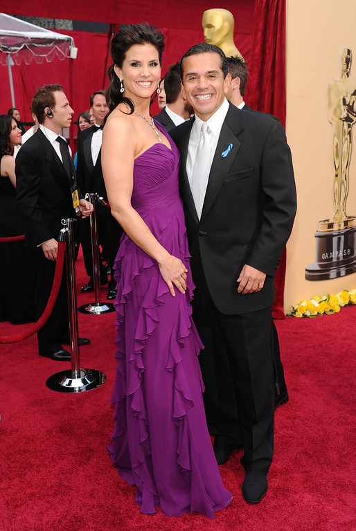 . Mayor of Los Angeles Antonio R. Villaraigosa (R) and Lu Parker arrives at the 82nd Annual Academy Awards held at Kodak Theatre on March 7, 2010 in Hollywood, California.  (Photo by Alberto E. Rodriguez/Getty Images)