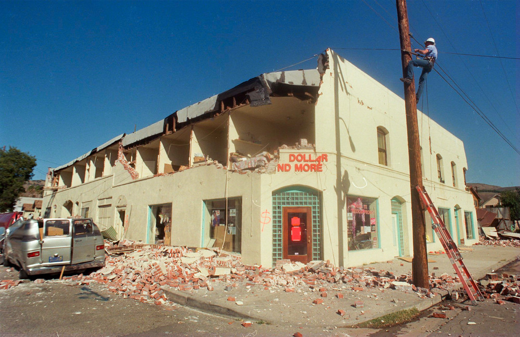 . The city of Fillmore in Ventura County was hit hard by the quake. This is corner of Fillmore and Main streets. (Photo by Tina Burch/L.A. Daily News)