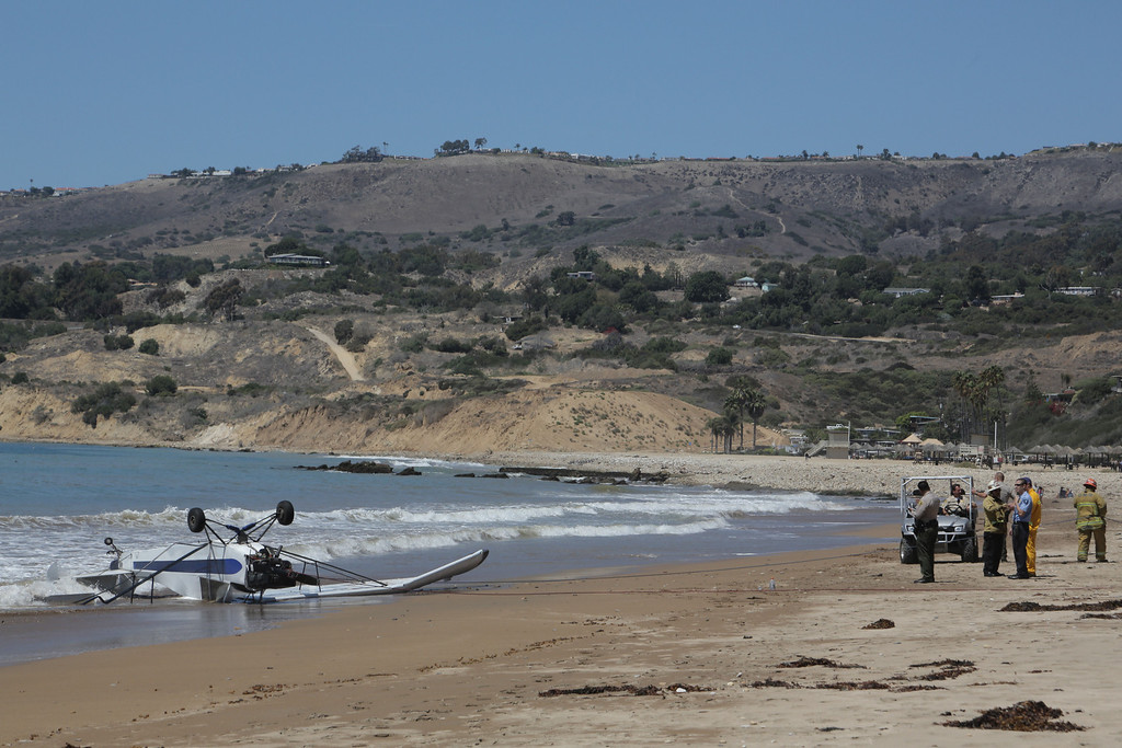 . A small plane has crash landed in Rancho Palos Verdes, at the shoreline near Trump National Golf Club, according to police and fire officials. �Preliminary information is that there was one person on the plane,� Los Angeles County Sheriff�s Department Sgt. Vicki Stuckey said. �He is being treated by fire department and lifeguards.� Chuck Bennett/Daily Breeze