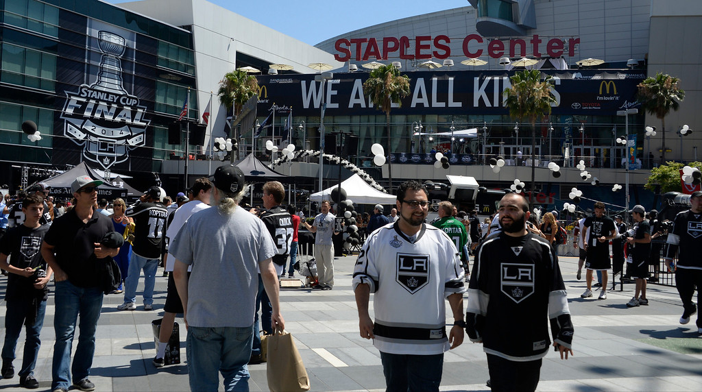 . June 13,2014. Los Angeles. CA. Thousands of LA King fans arrive hours early at Staples Center for game 5 of the Stanley Cup Playoffs. Photo by Gene Blevins/LA DailyNews