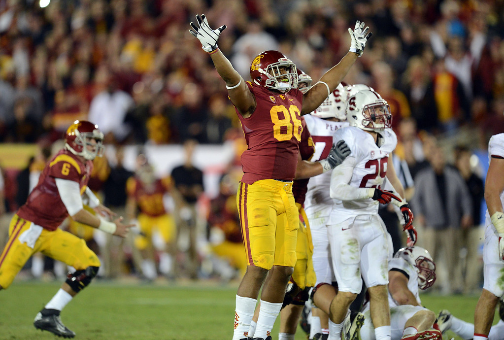 . USC�s Xavier Grimble #86 watches the game wining field goal late in the 4th quarterduring their game at the Los Angeles Memorial Coliseum Saturday, November 16, 2013. USC beat Stanford 20-17. (Photos by Hans Gutknecht/Los Angeles Daily News)