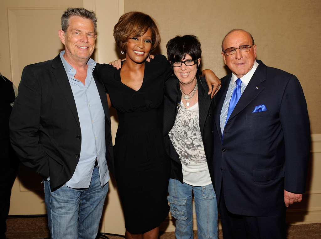 """. BEVERLY HILLS - JULY 23:  (L-R) Producer David Foster, singer Whitney Houston, songwriter Diane Warren and Chief Creative Officer, Sony Music Worldwide, Clive Davis during the Whitney Houston \""""I Look To You\"""" CD Listening Party held at the Beverly Hilton Hotel on July 23, 2009 in Beverly Hills, California.(Photo by Frank Micelotta/Invsion/AP)"""