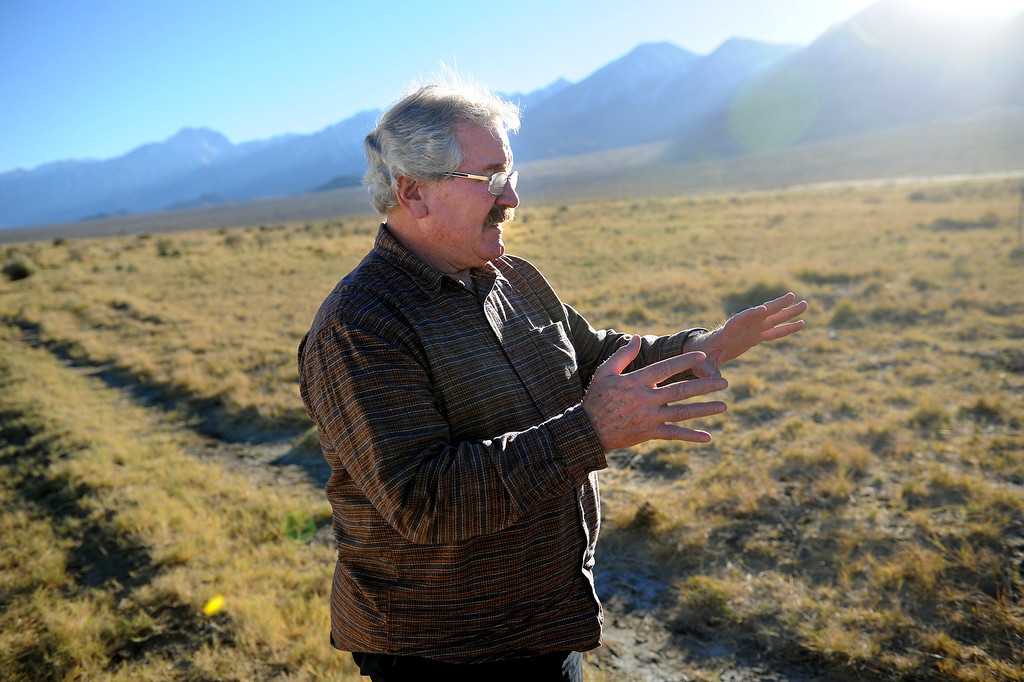 . Botanist Mark Bagley, a member of the Sierra Club, walks through shrubs that have supplanted grasses because of a lowered water table in the Owens Valley. (Photo by Michael Owen Baker/L.A. Daily News)
