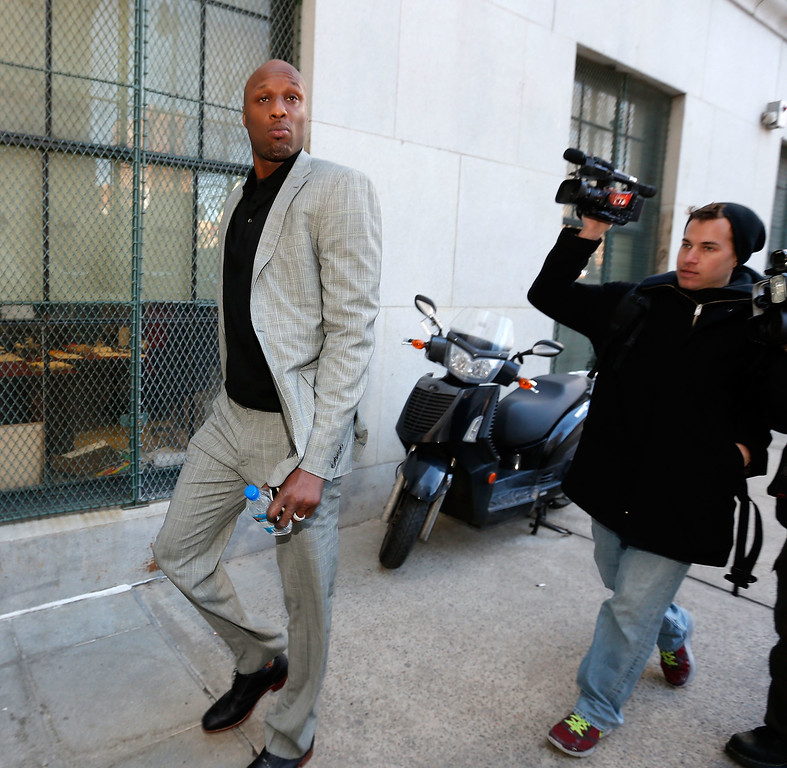 . NBA player Lamar Odom arrives to attend a custody hearing at New York State Supreme Court on March 5, 2013 in New York City.  (Photo by Jemal Countess/Getty Images)