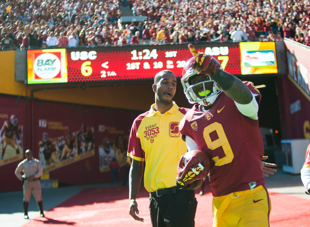 . USC\'s Marqise Lee #9 reacts after scoring on a touchdown pass reception during their PAC 12 Conference game against Arizona State at the Los Angeles Memorial Coliseum Saturday, November 10th 2012. (Hans Gutknecht/L.A. Daily News)