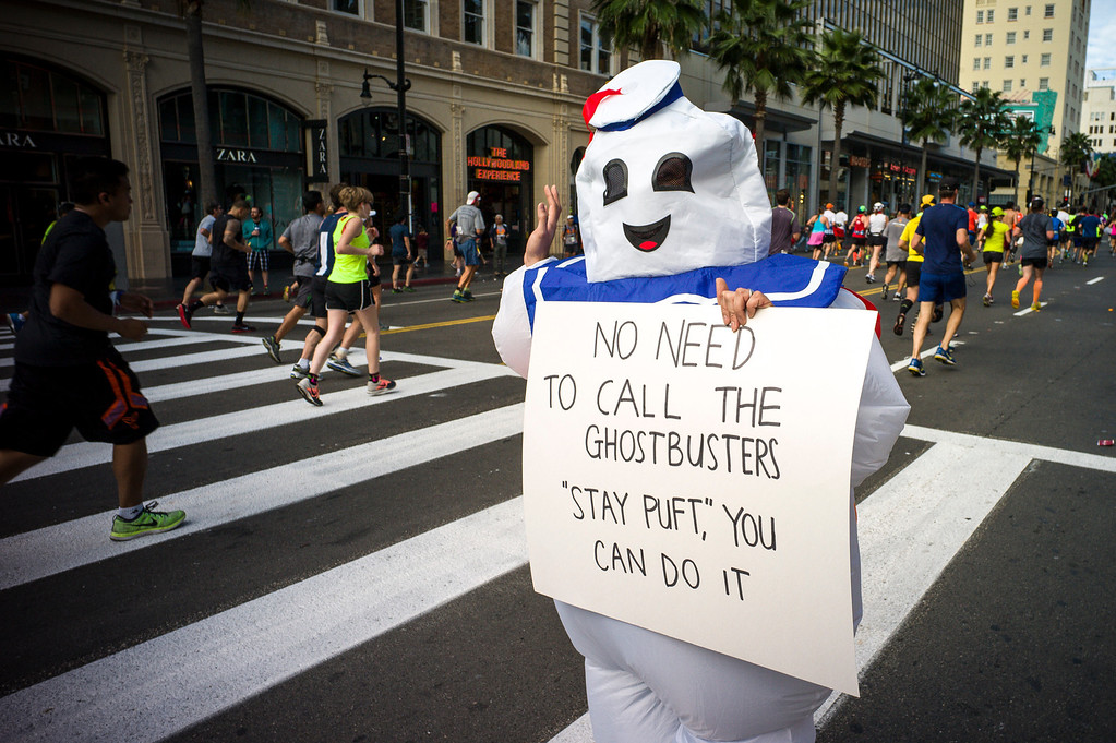 . Stay Puft encourages runners along Hollywood blvd in Hollywood during the 29th Los Angeles Marathon Sunday, March 9, 2014.   (Photo by David Crane/Los Angeles Daily News.)