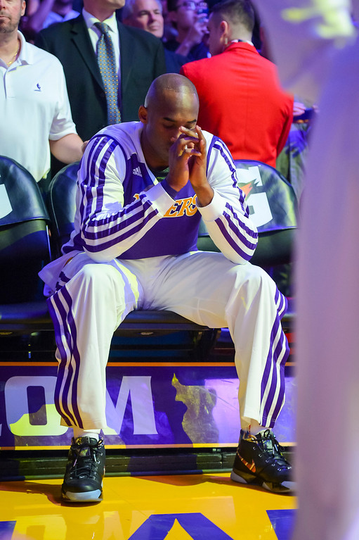 . Lakers� Kobe Bryant sits alone on the bench before being announced for the first time this season at Staples Center Sunday, December 8, 2013.   (Photo by David Crane/Los Angeles Daily News )