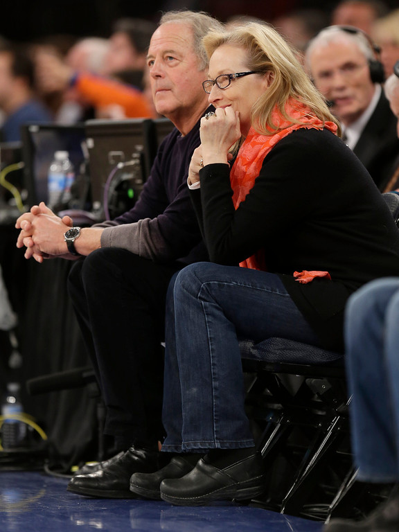 . Actress Meryl Streep watches during the second half of the NBA basketball game between Los Angeles Lakers and the New York Knicks at Madison Square Garden Sunday, Jan. 26, 2014, in New York. The Knicks defeated the Lakers 110-103. (AP Photo/Seth Wenig)