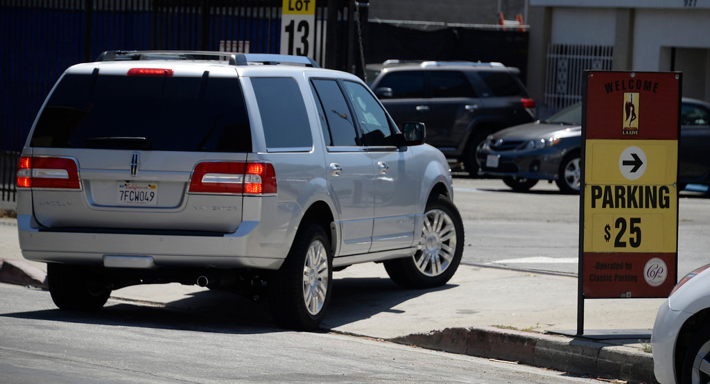 . June 13,2014. Los Angeles. CA. KINGS fans who want to park closer to the Staples center will be paying up to 25 dollars tonight,  as thousands of LA King fans arrive hours early at Staples Center for game 5 of the Stanley Cup Playoffs. Photo by Gene Blevins/LA DailyNews