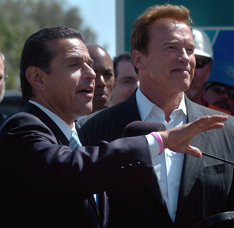 . Los Angeles Mayor Antonio Villaraigosa appears with Governor Arnold Schwarzenegger at a press conference in West Los Angeles (May 8, 2009) (Los Angeles Daily News file photo)