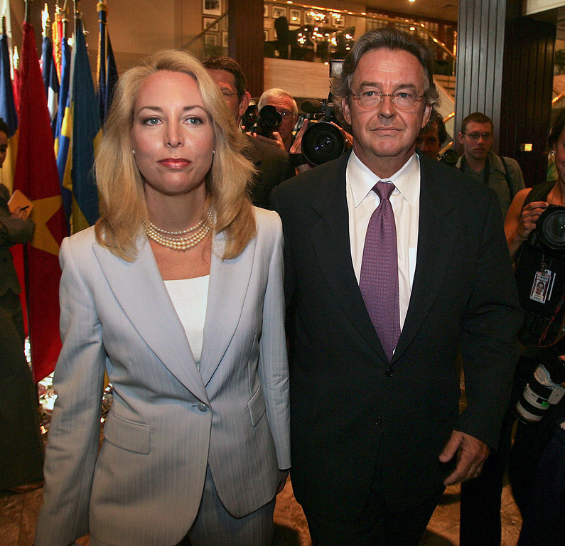 ". Former CIA officer Valerie Plame, left, and her husband, former ambassador Joseph Wilson, arrive for a news conference at the National Press Club in Washington in this July 14, 2006, file photo.  Four years after President Bush\'s State of the Union speech touched off a stormy debate over the threat posed by Iraq, former White House aide I. Lewis ""Scooter\"" Libby is scheduled to go on trial Tuesday, Jan. 16, 2007, in the CIA leak investigation.  (AP Photo/Lawrence Jackson, File)"
