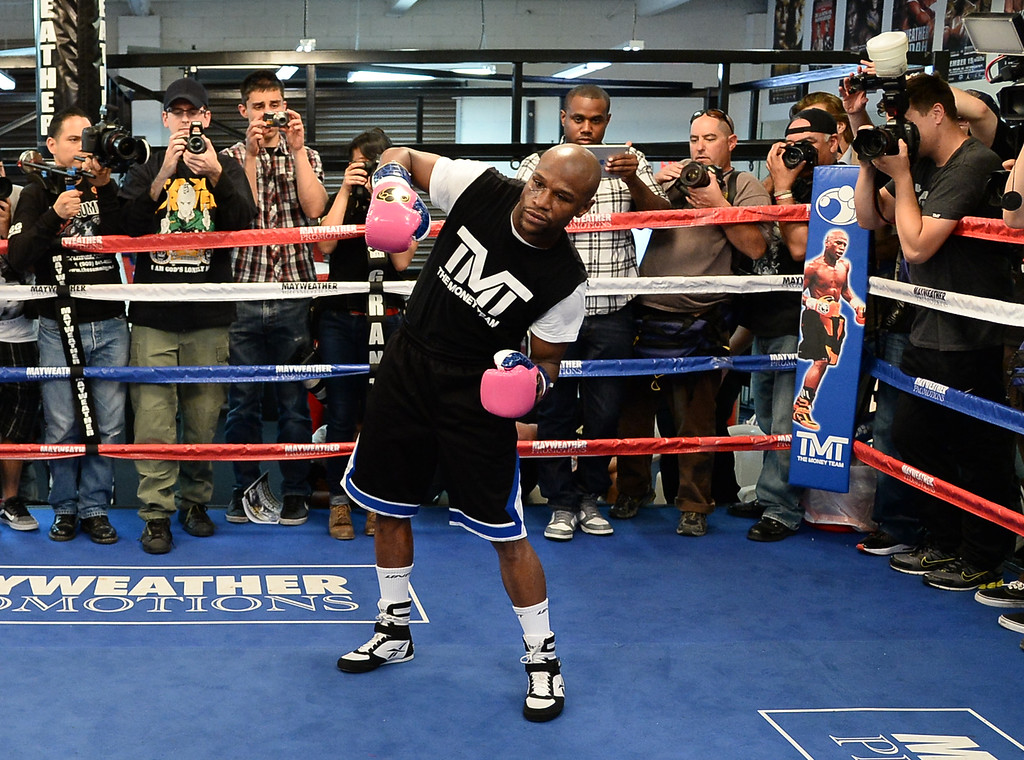 ". April 17,2013 Las Vegas NV.  Floyd ""MONEY\"" Mayweather Jr. works out for the media at his gym Wednesday in Las Vegas NV. Floyd Mayweather gets ready for his upcoming fight with Robert \""The Ghost\"" Guerrero on May 4th at the MGM grand hotel.   photo by Gene Blevins LA Daily news"