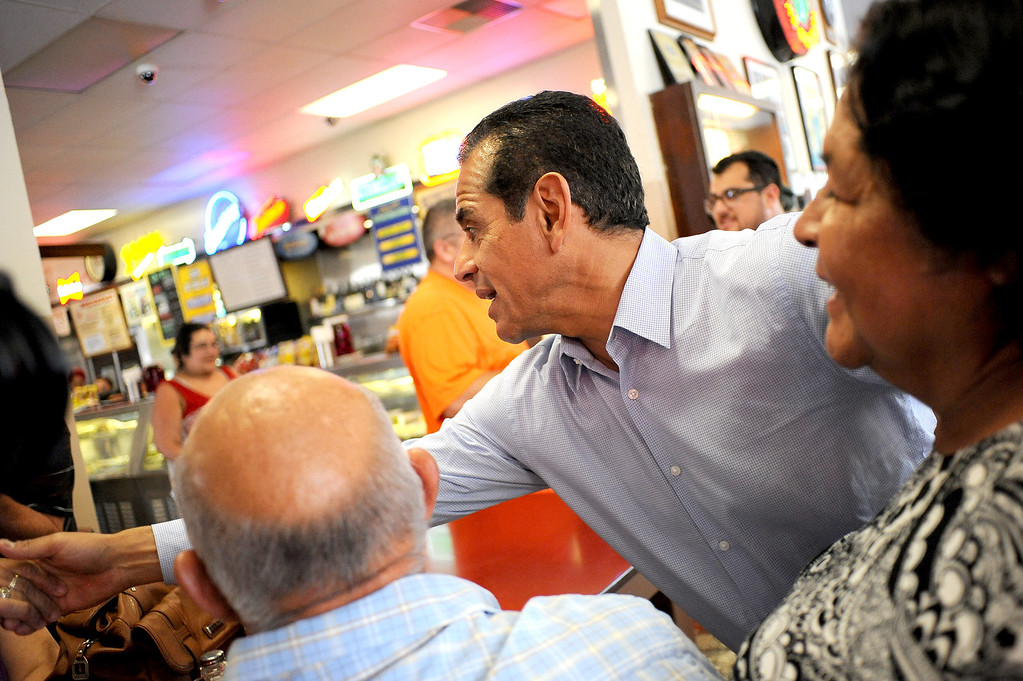 . Mayor Antonio Villaraigosa greets patrons at Philippe\'s in Los Angeles, CA June 28, 2013.  Villaraigosa spent the day visiting some of his favorite loactions during his 24-hour goodbye tour.(Andy Holzman/Los Angeles Daily News)