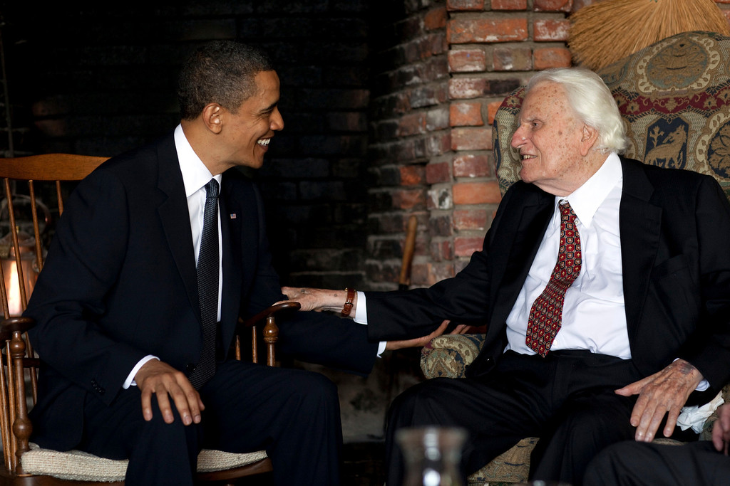 . In this image released by the White House, President Barack Obama meets with Billy Graham, 91, at his mountainside home in Montreat, N.C., Sunday, April 25, 2010.  (AP Photo/The White House, Pete Souza)