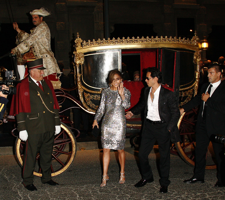 ". MILAN, ITALY - SEPTEMBER 25:  Jennifer Lopez and Marc Anthony attend ""Golden Age\"", Dolce & Gabbana party to celebrate Domenico Dolce 50th anniversary, at Principe of Savoia Hotel on September 25, 2008 in Milan, Italy.  (Photo by Vittorio Zunino Celotto/Getty Images)"
