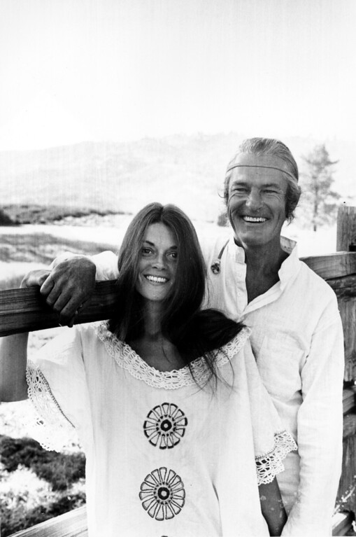 . LSD advocate Timothy Leary and his wife, Rosemary Woodruff talk with news reporters near their ranch in Mountain Center, Calif., on May 19, 1969.  They discussed the overturn of his marijuana conviction by the U.S. Supreme Court.  (AP Photo)
