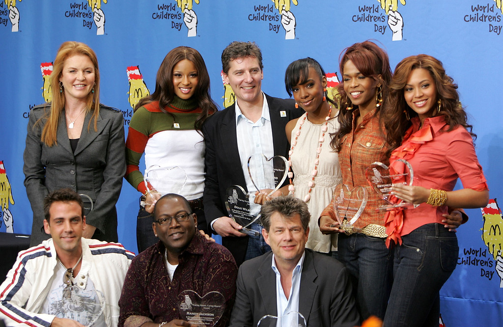 . LOS ANGELES, CA - NOVEMBER 15: (Back row) The Dutchess of York Sarah Ferguson, singer Ciara, designer Doug Wilson, singers Kelly Rowland, Michelle Williams and Beyonce Knowles of Destiny\'s Child, (front row) actor/singer Calos Ponce, producer Randy Jackson and producer/songwriter David Foster pose at the 2005 World Children\'s Day at the McDonalds Los Angeles Ronald McDonald House on November 15, 2005 in Los Angeles, California. (Photo by Kevin Winter/Getty Images)