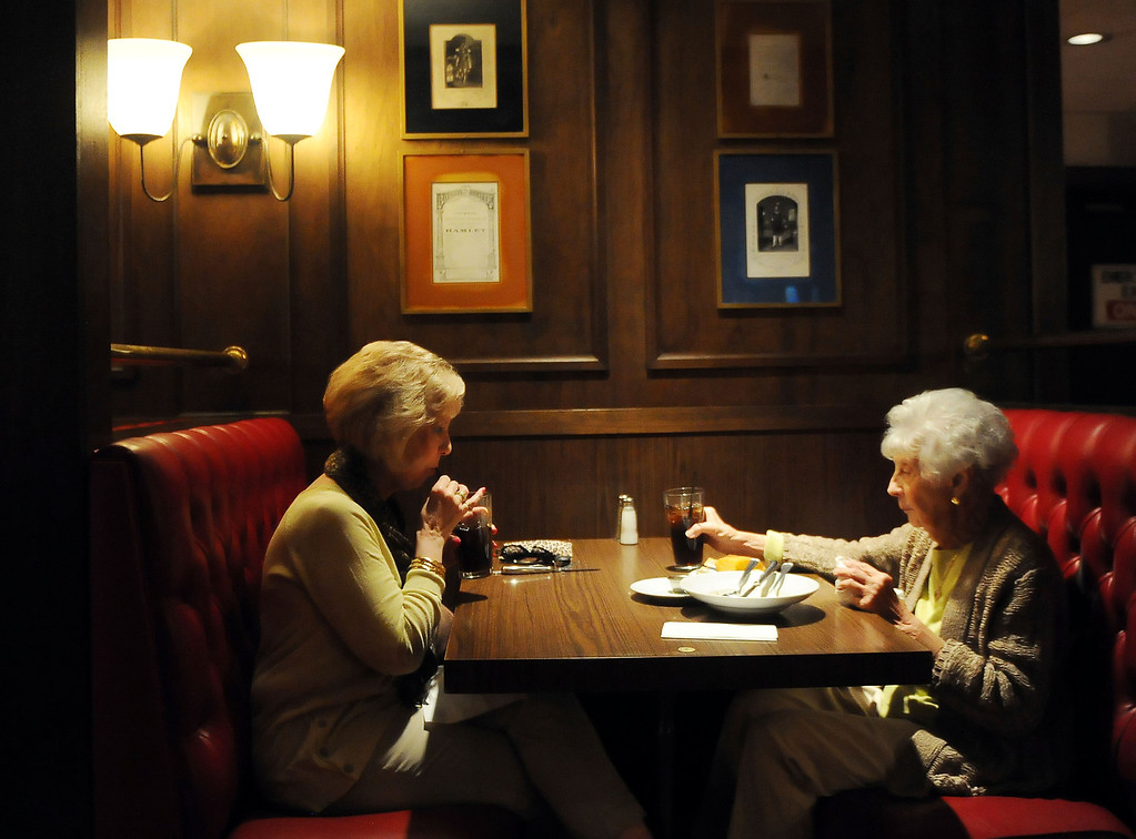 . Donna DiStefano, left, with Marion DiStefano who have been coming to Hamburger Hamlet for over 30 years enjoy a late lunch at Hamburger Hamlet on Lake Ave. which is changing to Dupar\'s Restaurant & Bakery in Pasadena, Calif., on Thursday, Jan.2, 2014.   (Keith Birmingham Pasadena Star-News)