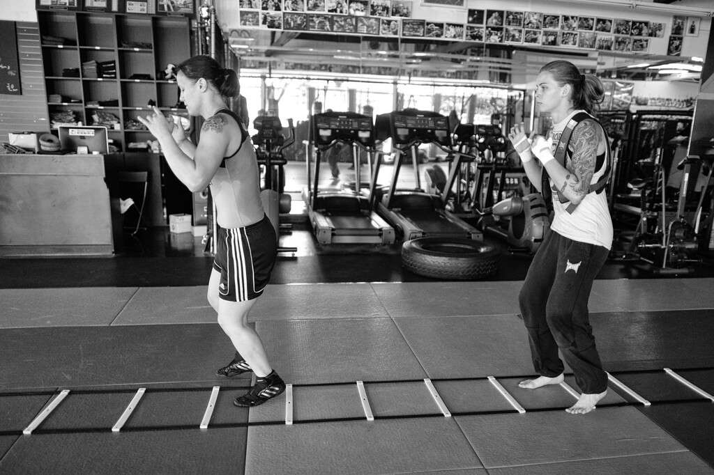 . Shayna Baszler and Jessamyn Duke condition at the Glendale Fighting Club in Glendale. (Photo by Hans Gutknecht/Los Angeles Daily News)