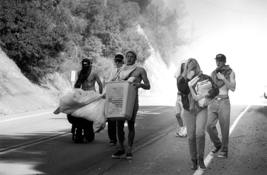 . People evacuate the fire  (11/2/93)   Los Angeles Daily News file photo