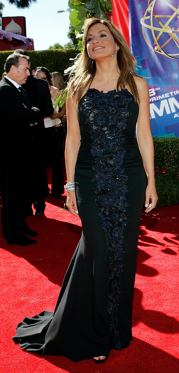 ". Mariska Hargitay arrives for the 58th Annual Primetime Emmy Awards Sunday, Aug. 27, 2006, at the Shrine Auditorium in Los Angeles. Hargitay is nominated for outstanding lead actress in a drama series for her work on ""Law & Order: Special Victims Unit.\"" (AP Photo/Laura Rauch)"