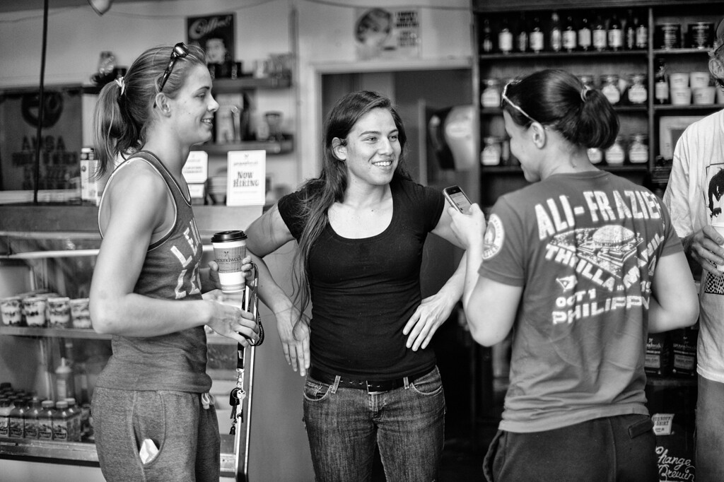. Jessamyn Duke and Shayna Baszler visit  Marina Shafir while Shafir is at her job at Groundwork Coffee Company in Venice.  (Photo by Hans Gutknecht/Los Angeles Daily News)