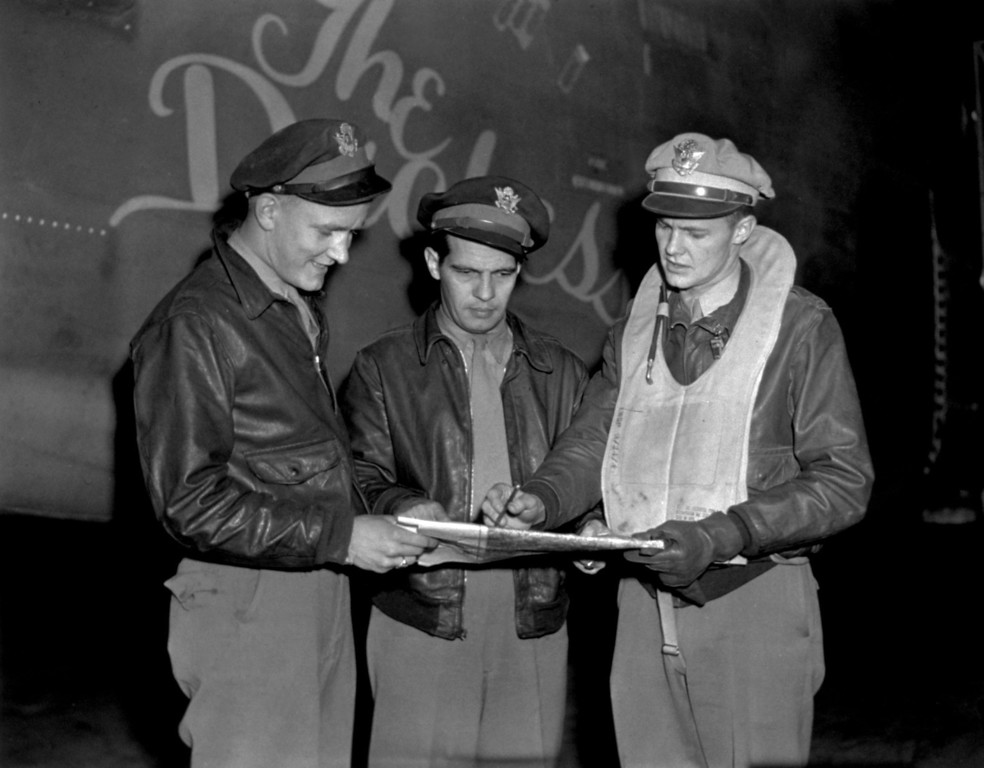. 1943:  Three American pilots, combat personnel involved in many bombing missions, with the so-called \'Travelling Circus\'.  (Photo by Keystone Features/Getty Images)