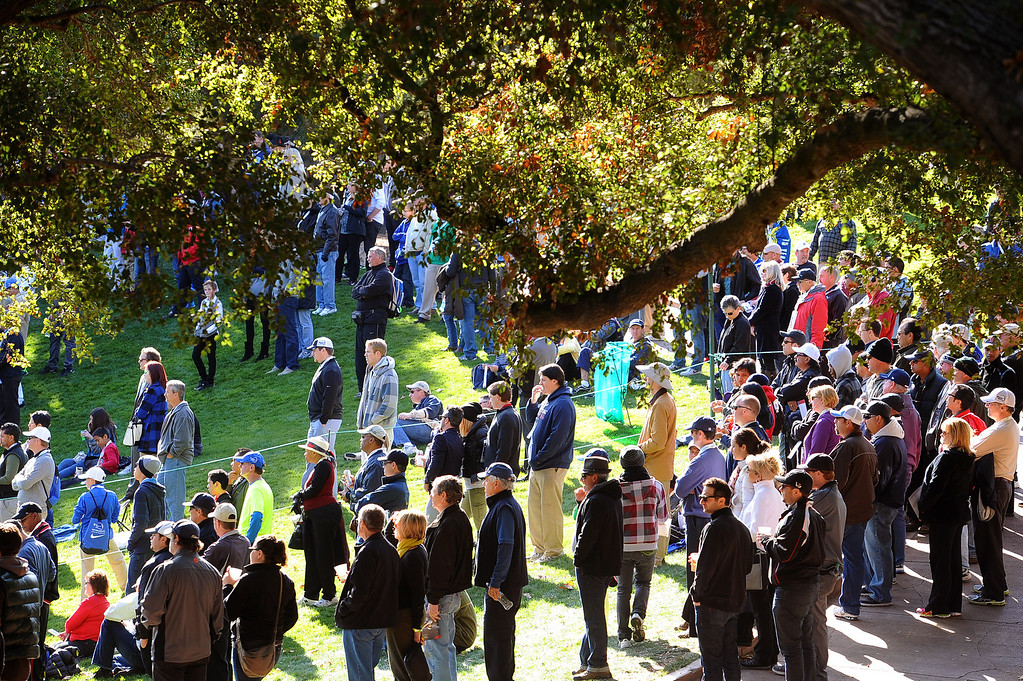 . A crowd gathers near the ninth green during the final round of the Northwestern Mutual World Challenge golf tournament at Sherwood Country Club, Sunday December 8, 2013, in Thousand Oaks, Calif.(Andy Holzman/Los Angeles Daily News)