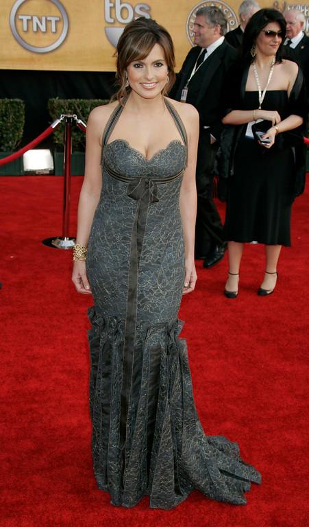 . Mariska Hargitay arrives at the 13th Annual Screen Actors Guild Awards on Sunday, Jan. 28, 2007, in Los Angeles. (AP Photo/Reed Saxon)