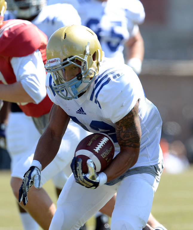 . UCLA\'s Roosevelt Davis during football practice at  Spaulding Field on the UCLA campus Saturday 5, 2014.  (Photo by Hans Gutknecht/Los Angeles Daily News)