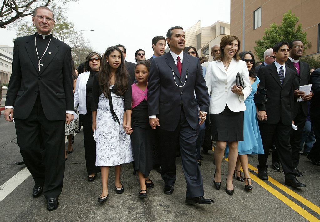 . 7/1/05-LOS ANGELES- Antonio Villaraigosa was inaugurated as Mayor of the city of Los Angeles Friday, with a procession from the Cathedral of Our Lady of Angels to City Hall. Here he walks with his family and clergy members including Cardinal Roger Mahony, left. He was sworn in by Justice Stephen Reinhardt, from the United States Court of Appeals for the Ninth Circuit, with his wife Corina by his side.  (Los Angeles Daily News file photo)