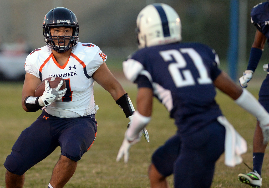 . Chaminade High School vs Venice High School football at Venice High School in Venice Thursday, August 28, 2014. (Photo by Hans Gutknecht/Los Angeles Daily News)